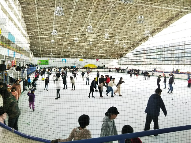 イヨテツスポーツセンター スケート