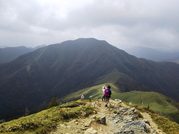 剣山 連なる山