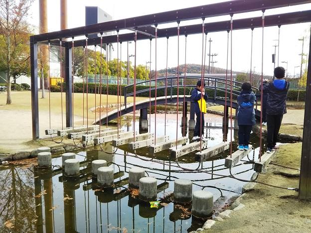 倉敷スポーツ公園 わんぱく広場 ゆらゆらはしご