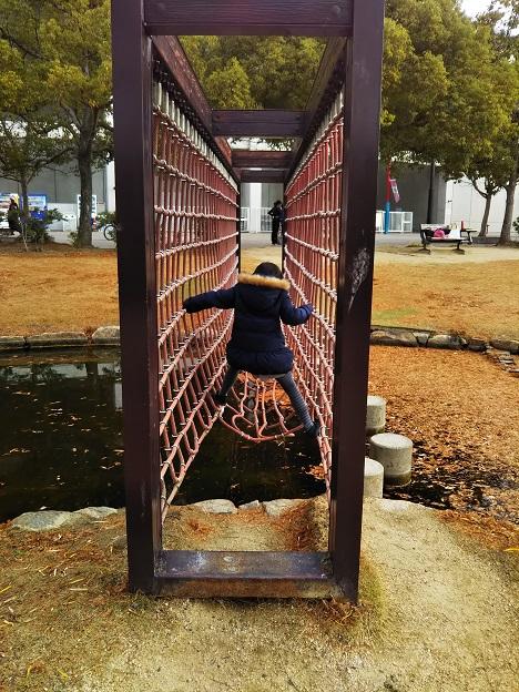 倉敷スポーツ公園 わんぱく広場 ロープの壁1