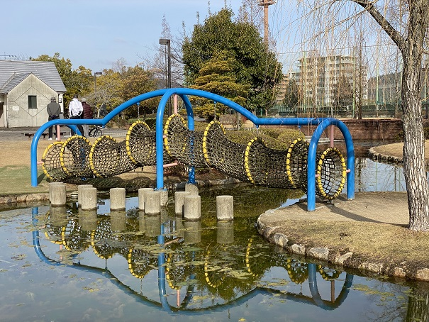 倉敷スポーツ公園 わんぱく広場 網のトンネル