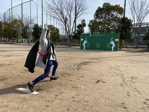 ベースフォールでピッチング練習