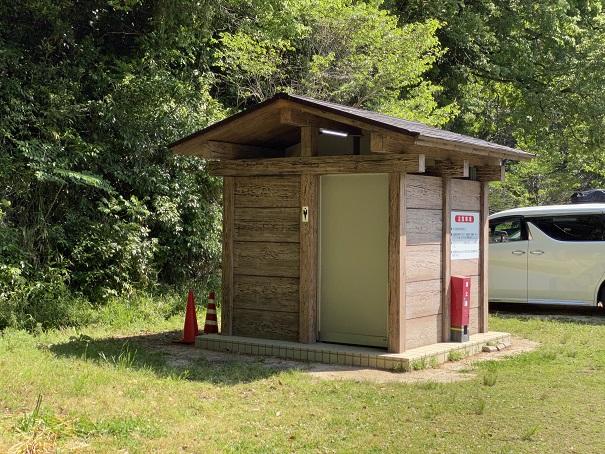 トイレキャンプ場
