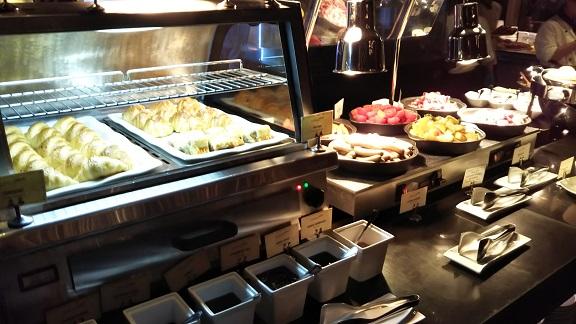 ロッテホテルの朝食ビュッフェ