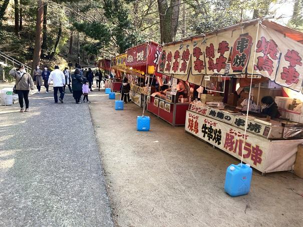 正月の屋台八栗寺