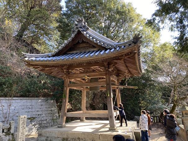 鐘楼堂と梵鐘八栗寺