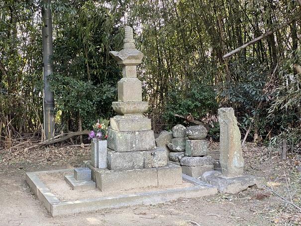 八栗寺表参道燈籠