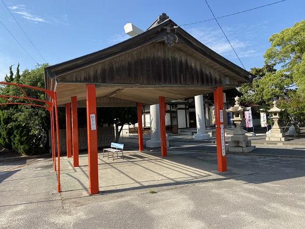 津嶋神社東屋
