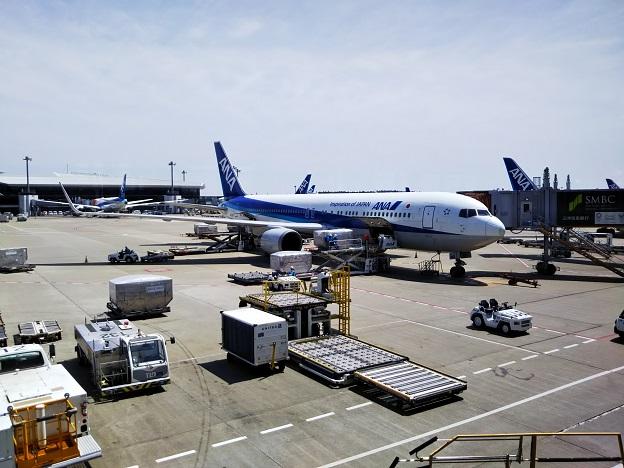 ミャンマーへの飛行機