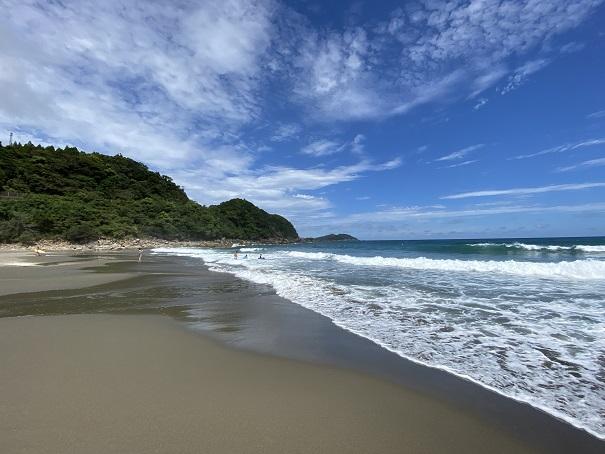 生見サーフィンビーチの砂浜