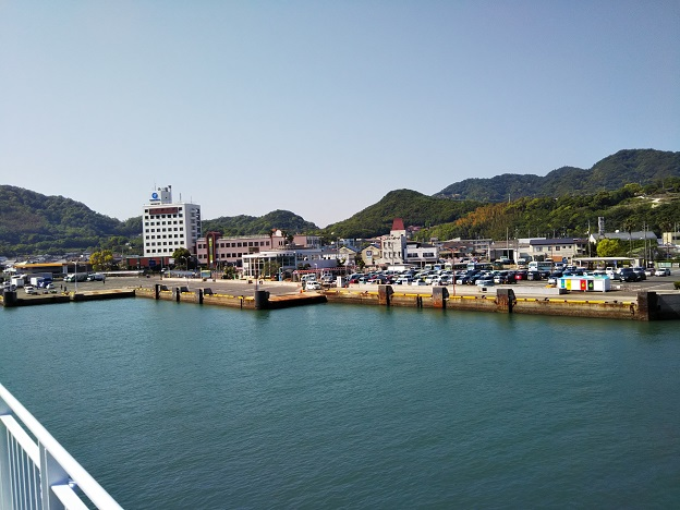 小豆島フェリー土庄港到着