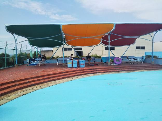 高松市民プール ベンチ