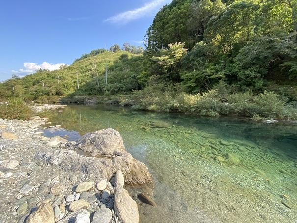 汗見川ダム下の川遊びポイント