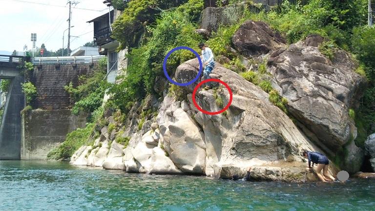 仁淀川飛び込む岩