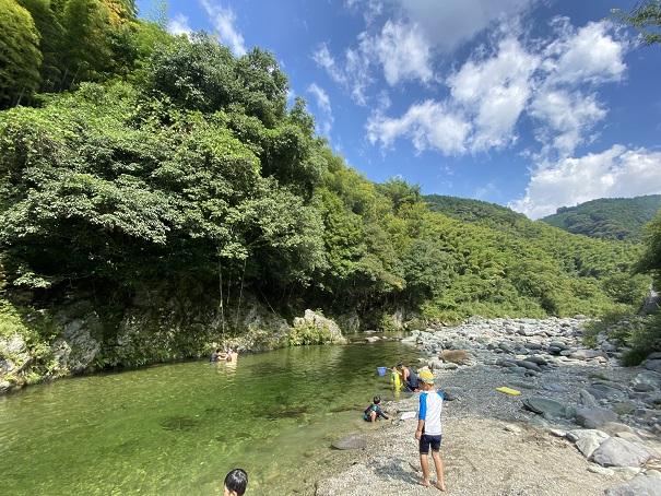 西条市鞍瀬川川遊び