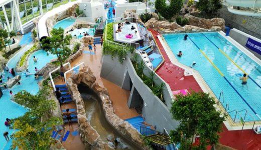 グリーンヒルズ津山グラスハウス 岡山県のウォータースライダーのある温水プール