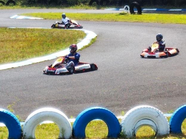 カートランド四国でレースを楽しむ