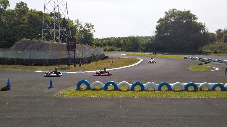 カートランド四国サーキットでレース