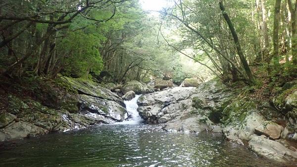 滝と銛のマイナスイオン