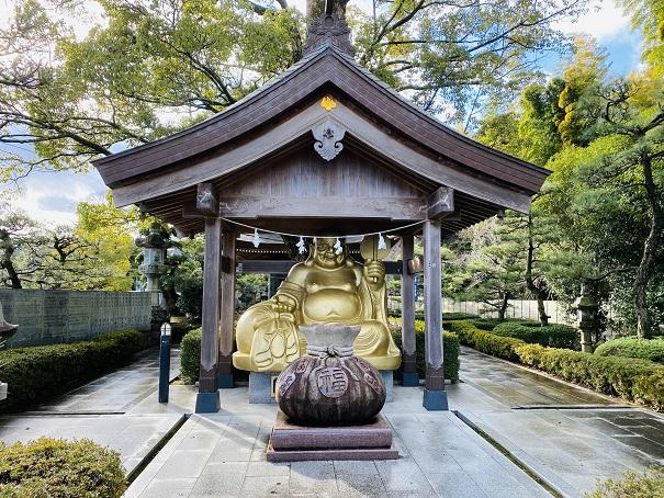 田村神社金の布袋さん