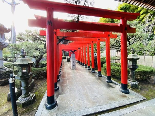 赤い鳥居北参道田村神社