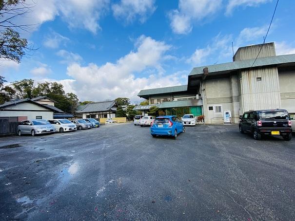 田村神社会館駐車場