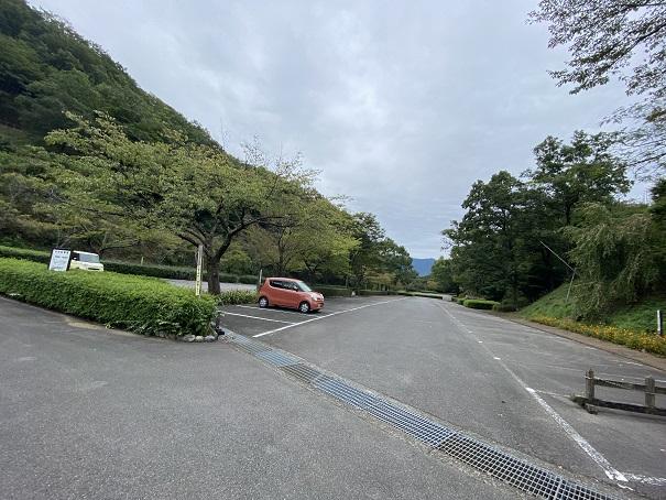 徳島県立神山森林公園イルローザの森中央駐車場