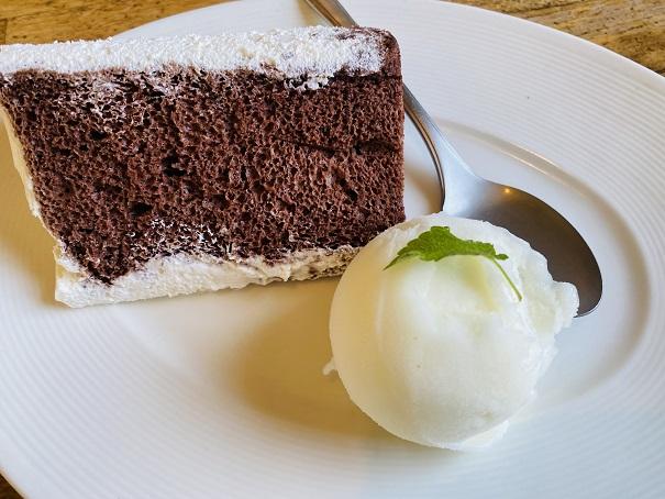 チョコレートシフォンと瀬戸内レモンジェラート