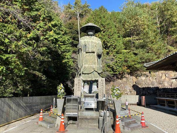 四国霊場最大級の弘法大師空海像