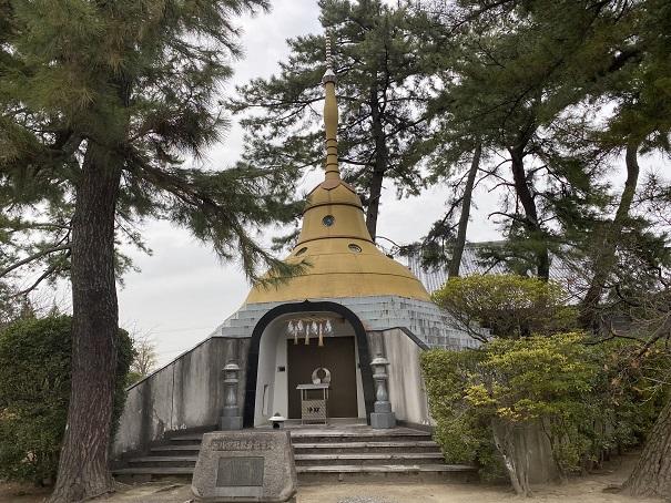 パコダ供養塔