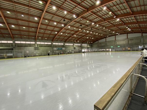 整氷作業後のアイススケートリンクトレスタ白山アイスアリーナ