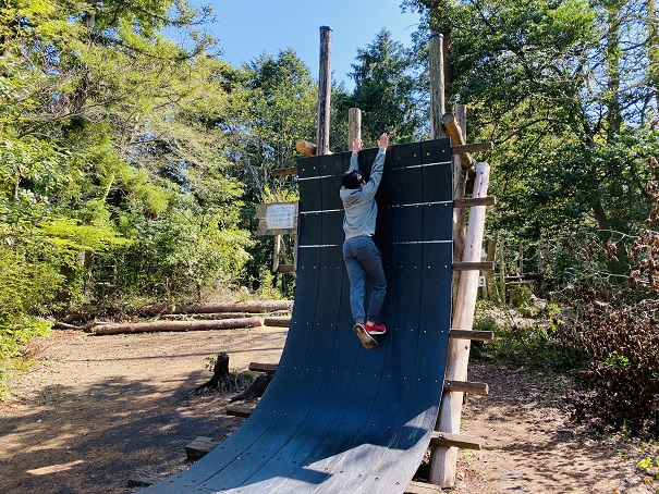 剣ヶ峰のそりたつ壁ジャンプ