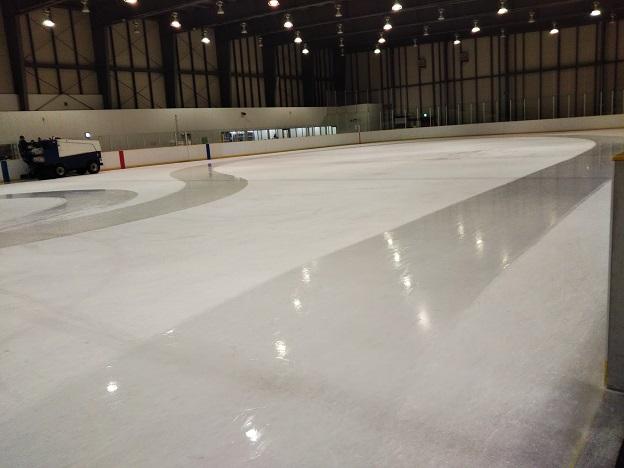 岡山国際スケートリンク 製氷作業