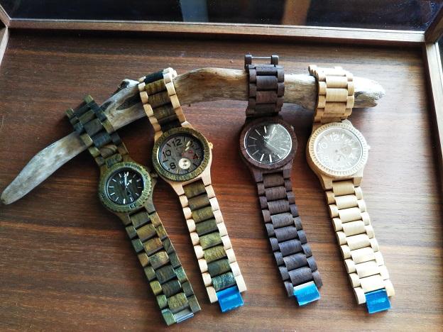 DEMI1/2 木の腕時計