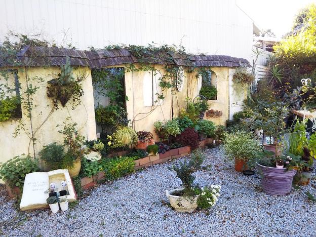 フラワーガーデン花崎 庭