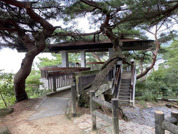 象ヶ鼻岩銭形展望台