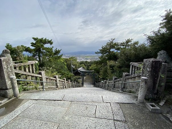 琴弾八幡宮本宮からの風景
