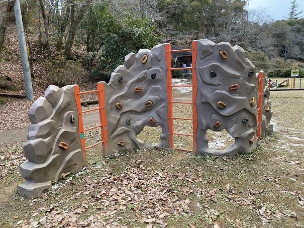 岩場渡り公渕森林公園アスレチック