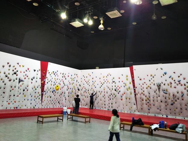 スポーツオーソリティ高松東ボルダリングジム ボルダリングウォール