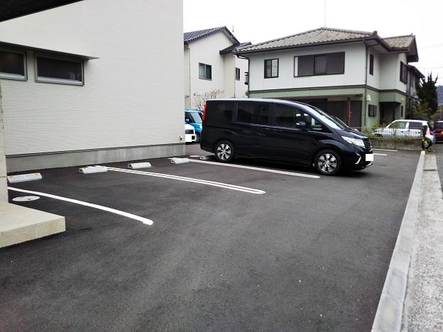 YUTAKA 駐車場