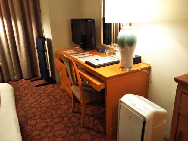 JRクレメントホテル徳島の机