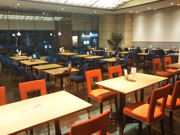 DINING CAFE CLEMENTダイニングカフェクレメントの座席