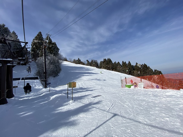 石鎚スキー場レストハウス降り場