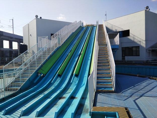 福山メモリアルパーク プール スライダー