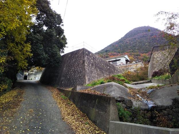 飯野山 登山口 飯山ルート入口2
