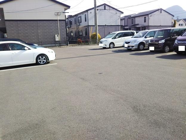 手打ちうどん渡辺 駐車場