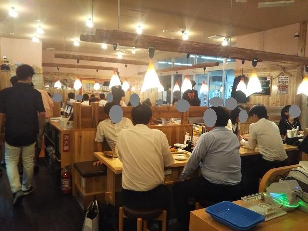寿司居酒屋や台ずし坂出駅前町の店内