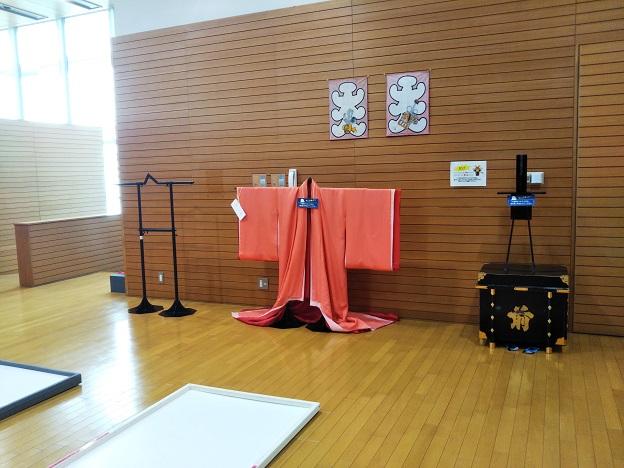 香川県立ミュージアム 十二単の着付け体験3