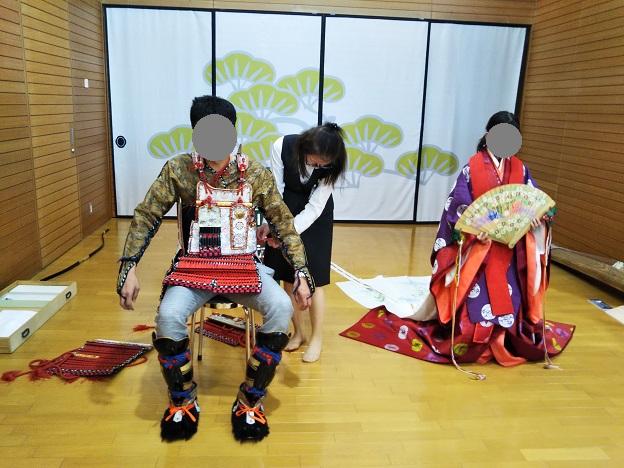 香川県立ミュージアム 鎧の着付け体験2