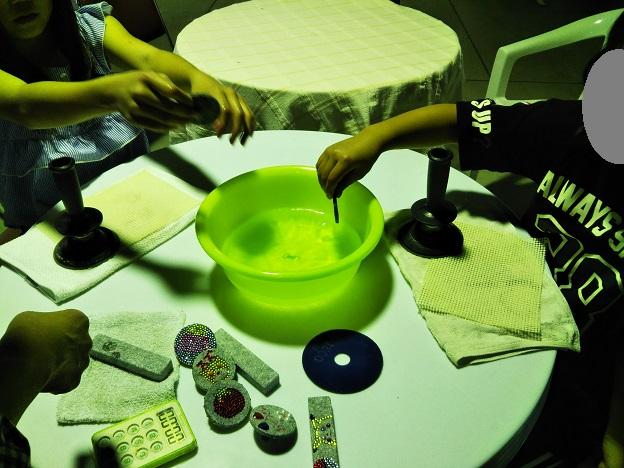 庵治石磨き体験3
